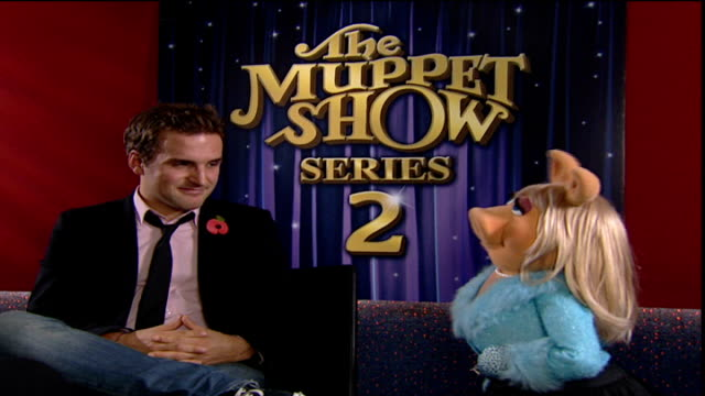 INT Miss Piggy interview continued SOT saying she is going to visit jewels in Tower / says she won't go out with reporter and the interview is over