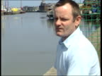 Drowning fears LUNCHTIME NEWS U'LAY Father at quayside ENGLAND Yorkshire Great Yarmouth David Entwistle standing at quayside of River Yare where...