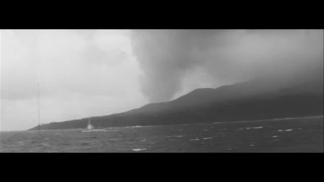 Miyakejima Trembles/Oyama erupts on Miyakejima aerial shot Lava flows to sea lava creeping closer Volcanic rocks falling on roads and houses Disaster...