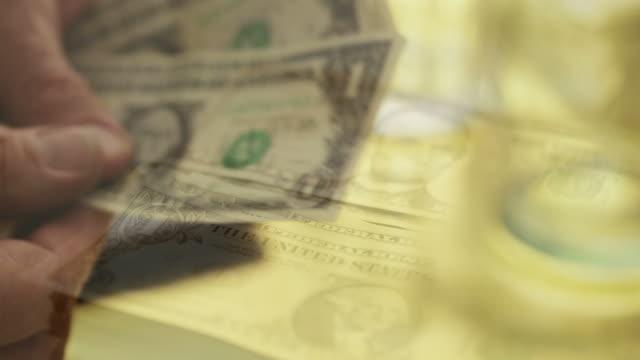 Conteggio del denaro dollaro composito MO