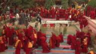 T/L HA WS Monks gathering at Mahabodhi Temple / Bodh Gaya, Bihar, India