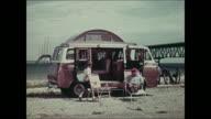 Montage: 1965 Ford Econoline camper
