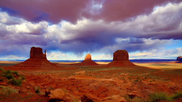 Monument Valley, UT-AZ