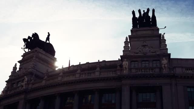Monumentale gebouw in de Gran Via in Madrid