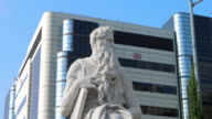 Moses monument at Cedars-Sinai Medical Center in Los Angeles California, 4K