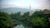 - Moschee