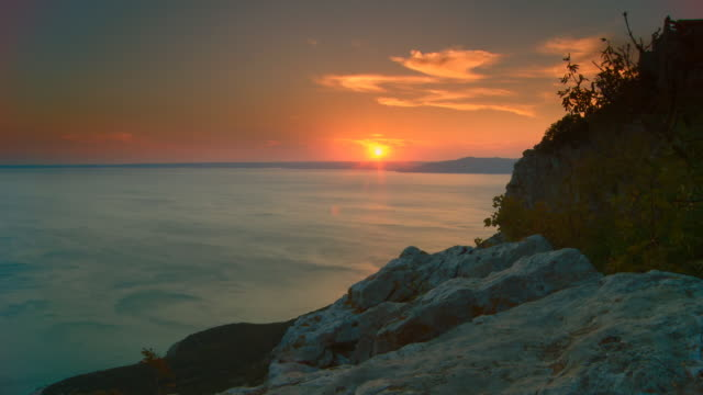 HD Motion Time-Lapse: Mediterranean Sea At Sunset