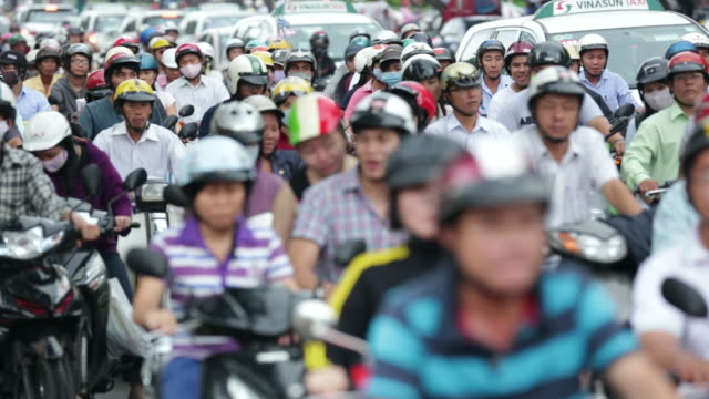 CU Motorcyclists at traffic light
