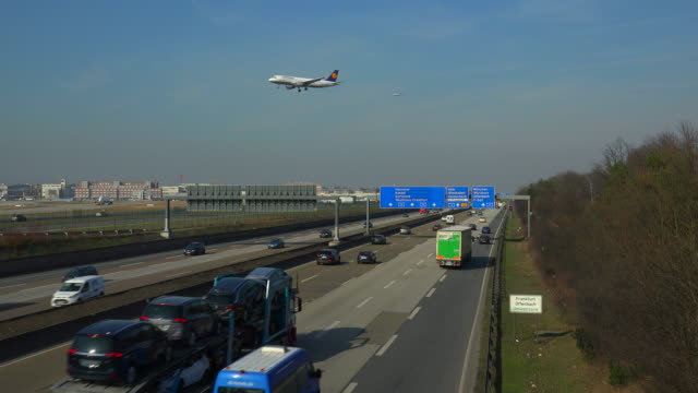 Motoway A5 and landing airplanes for Frankfurt Airport, Frankfurt am Main, Hesse, Germany