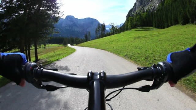 HD Mountainbiking in High Mountain Valley