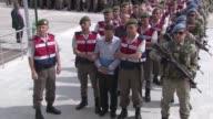 Más de 200 presuntos instigadores del golpe fallido contra el presidente de Turquía Recep Tayyip Erdogan enfrentan un juicio que comenzó el lunes