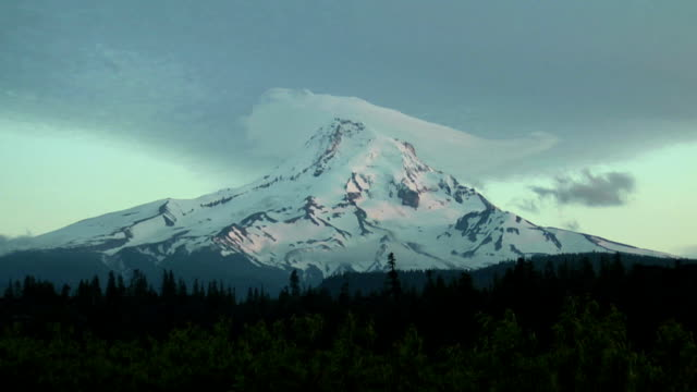 Mt. Hood Evening Timelapse