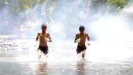 Muay thai oder Thai Boxen laufen Zeitlupe in Thailand