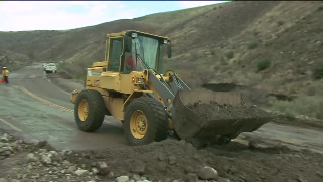 KTLA Mud and Rocks Washed onto Agua Dulce Canton Road on August 10 2015