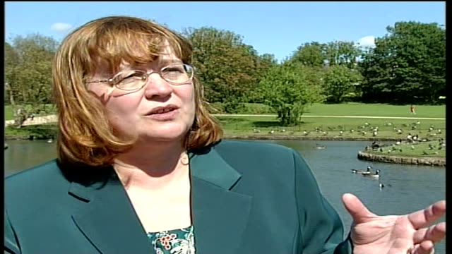 Ruth Kelly statement Terraced street spikes of iron fence in foreground Muswar Hussain interview SOT there was a break down in facilities offered to...