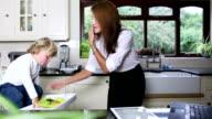 Multitasking-Mutter Homeworker Business