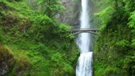 Multnomah Falls in the Columbia River Gorge, Oregon, USA