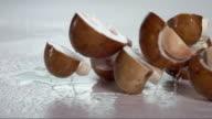mushroom falling and creating splashing droplets V1