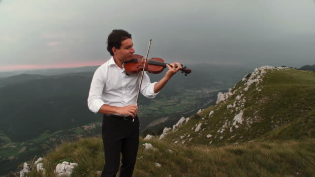 HD CRANE: Musician Inspired By Nature