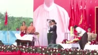 Myanmars boisterous election campaign draws to a close Friday two days before milestone polls that could finally propel Aung San Suu Kyis...