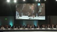 Naciones Unidas y el Banco Mundial prometieron un mayor apoyo financiero a los paises del Medio Oriente y Africa del Norte desde donde miles de...