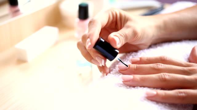 HD1080: Nails painting