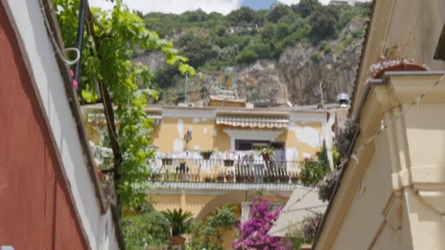 Narrow street, Costiera Amalfitana (Amalfi Coast), UNESCO World Heritage Site, Province of Salerno, Campania, Italy, Europe