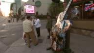 MS Nashville Convention Center / people walking along sidewalks