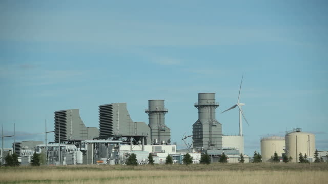 Natural Gas 400 Megawatt Electricity Peaking Plant with Wind Turbine
