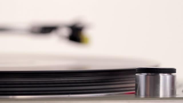 CU R/F Needle on vinyl disk / London, United Kingdom