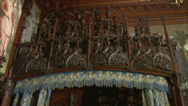 CU TD TU Neo-gothic style decorated bed in royal bedroom in Neuschwanstein Castle, Bavaria, Germany