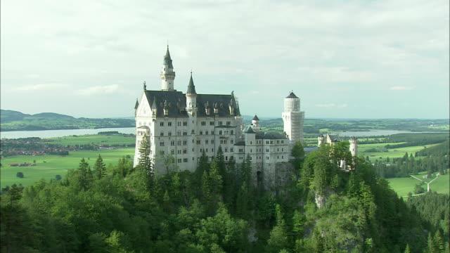 WS ZI Neuschwanstein Castle in mountain landscape, Bavaria, Germany