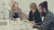business-team in der startup-Büro :  Kaffeepause