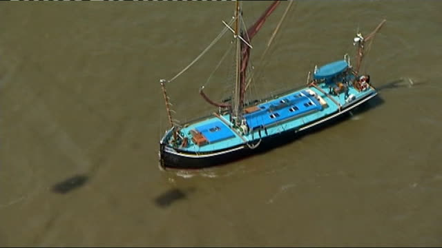 New scheme to double number of commuters on River Thames T28061207 / TX 2862012 INT GONDOLA ** Trimmer LIVE 2WAY interview overlaid SOT ** Boat...