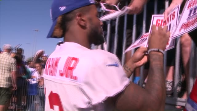 New York Giants Players Sign Autographsgn Autographs at a PreSeason Event