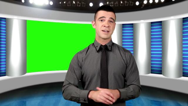 TV Nachrichten Bildschirm Moderator mit grünen als Hintergrund