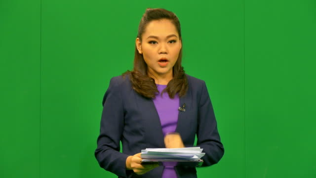 Nachrichtensprecher Lesung einen News Bulletin