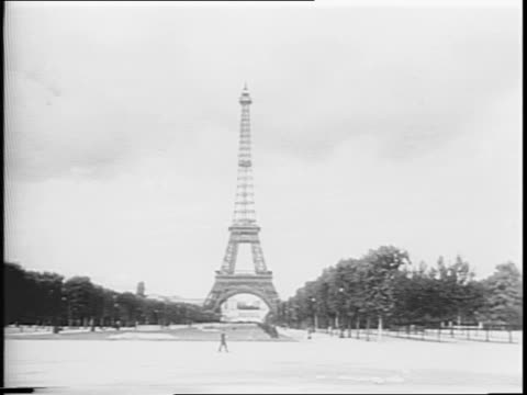 Newsreel / After four years of war Paris is finally liberated /