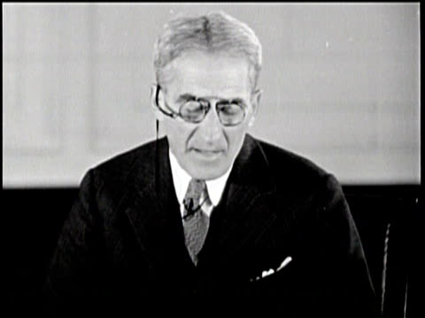Newsreel / Swope gives suggestions to improve the federal unemployment rate using the Swope Plan and the Federal Trade Commission /