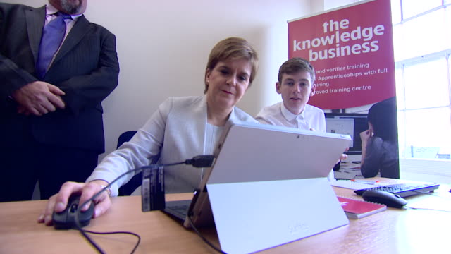 Nicola Sturgeon sits in on a digital skills class Scotland September 2017 NNBZ112R ABSA627D