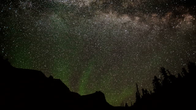 TIME LAPSE: Night Sky Mountains