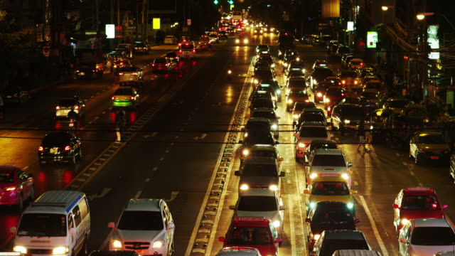 Night Traffic congestion in Asok in Time Lapse