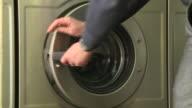 No core number news rushes lib/launderette/1136/27/5 ABRA943D
