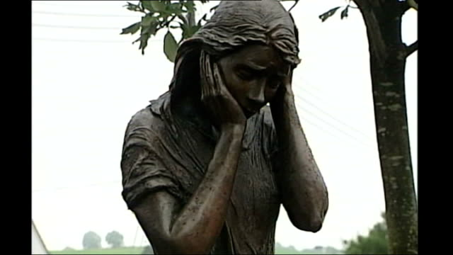 1972 Claudy bombings investigation reveals coverup NORTHERN IRELAND Claudy EXT Memorial statue dedicated to victim of Claudy bombing in 1972 Al...