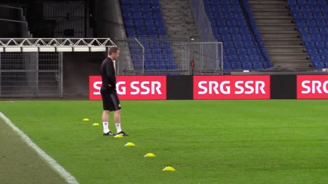 Northern Ireland train ahead of their World Cup qualification secondleg playoff against Switzerland in Basel