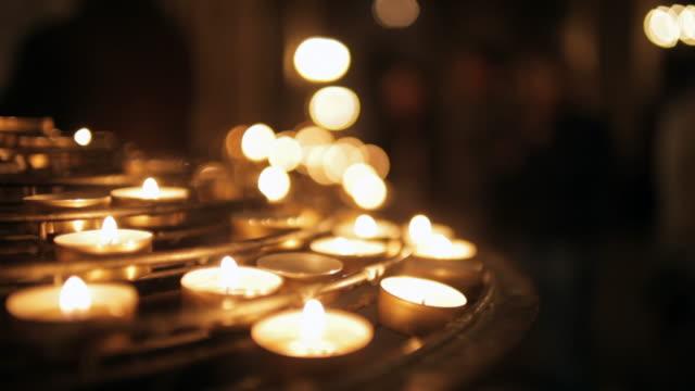 Cattedrale di Notre-dama con lume di candela, Parigi, Francia
