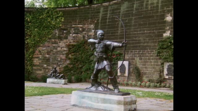1981 - Nottingham - Statue of Robin Hood