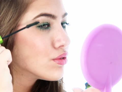 NTSC:Make up, mascara
