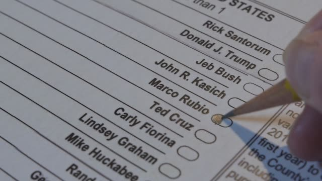 XCU of a voter marking a Republican presidential primary ballot for Marco Rubio