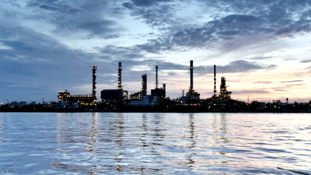Oil refinery at twilight, Time lapse